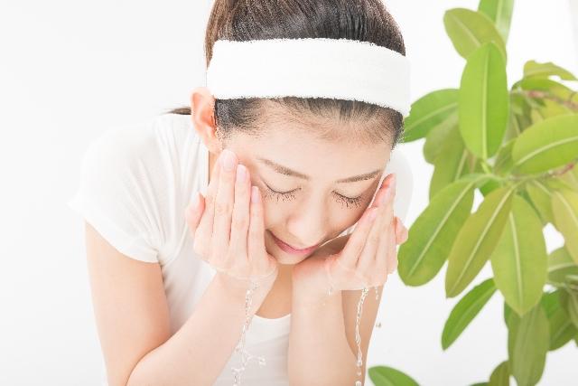 乾燥肌の原因は洗顔方法